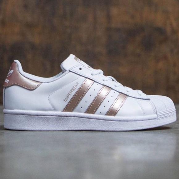 ⭐️SALE⭐ NIB Bronze Adidas Originals Superstars 8